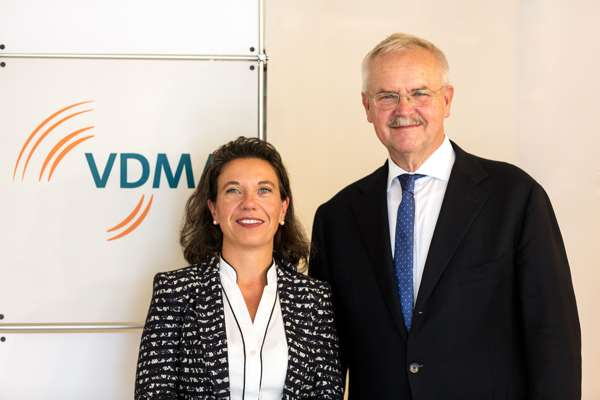 Chairperson and Vice-Chairperson of VDMA Textile Machinery Association: Regina Br?ckner, Fritz P. Mayer.