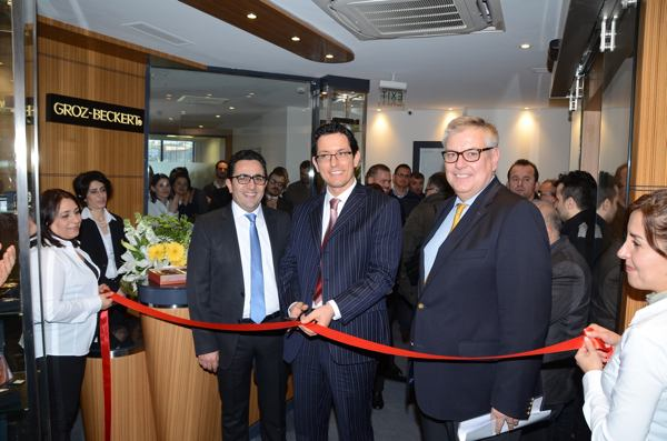 Left to right: ?nal Ekinci, Finance and Controlling of Groz-Beckert Turkey, ?zkan Edirne, Managing Director of Groz-Beckert Turkey, Eric Sch?ller, Member of Executive Board of Groz-Beckert
